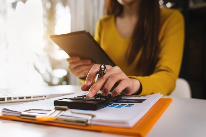 5 Ways to Save Money Back-to-College Shopping